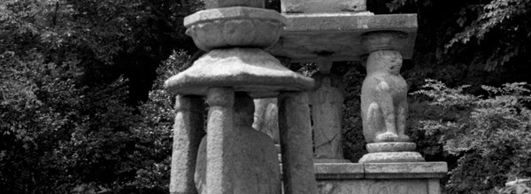 공양상과 석탑